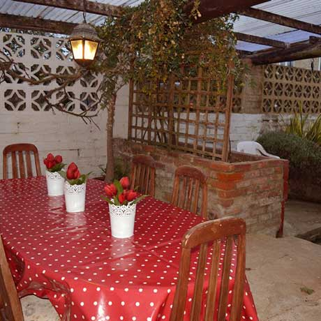 Blake's Barn outdoor covered dining area and courtyard garden